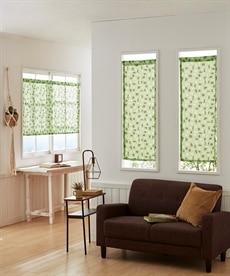 アルファベット柄。小窓用カフェカーテン のれん・カフェカーテンの商品画像