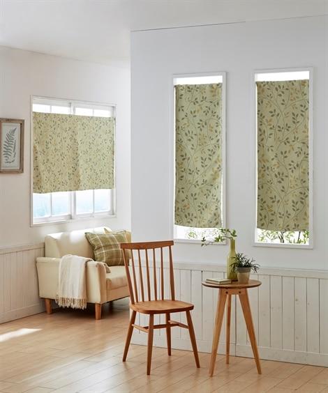 ナチュラルリーフ柄。小窓用カフェカーテン のれん・カフェカーテンと題した写真