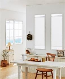 フェミニンフラワー柄。小窓用カフェカーテン のれん・カフェカーテンの商品画像