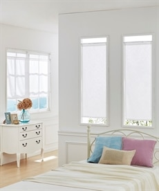 オーナメント柄。防炎。小窓用カフェカーテン のれん・カフェカーテンの商品画像