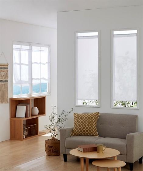 小窓用。カフェカーテン のれん・カフェカーテンの写真