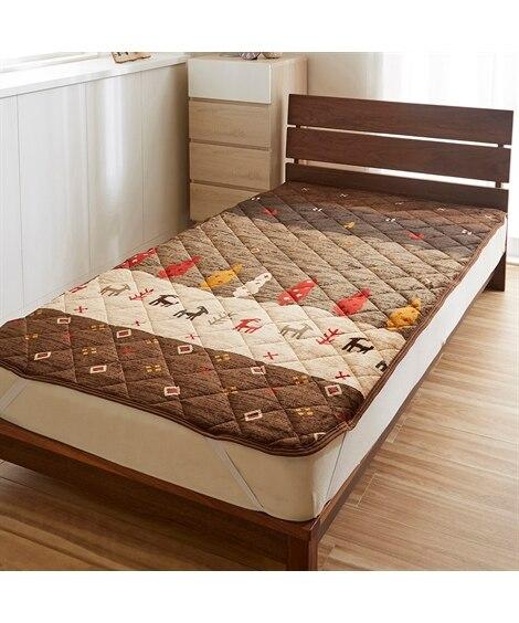 あったか起毛フランネルの敷パッド(トナカイ柄) 敷きパッド・ベッドパッドの写真