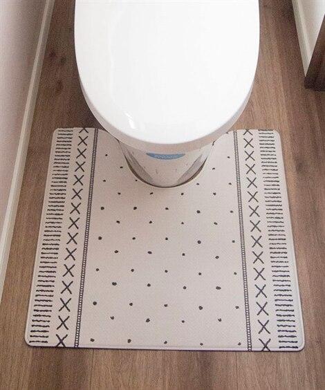 【抗菌防臭】サッとひと拭き!お手入れ簡単な北欧柄トイレマット...