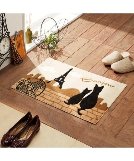 ネコが寄り添うインテリアマット(レトロパリス) 玄関マットの写真