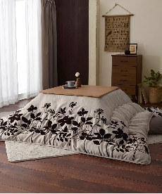 【日本製。洗える】モダンリーフ柄 ボリューム大判こたつ掛け布団 こたつ布団の小イメージ