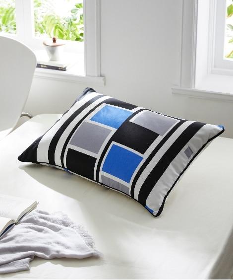 綿100%オックスフォード生地 幾何学模様の絵羽柄枕カバー(ファスナータイプ)(スマート) 枕カバー・ピローパッドの写真