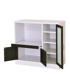 カラーコントラストがスタイリッシュな食器棚(レンジボード付) レンジボード・家電ラックの写真