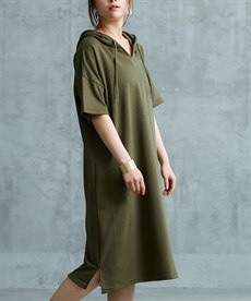 <ニッセン> スカラップ刺しゅうノースリーブワンピース (ワンピース)dress 17