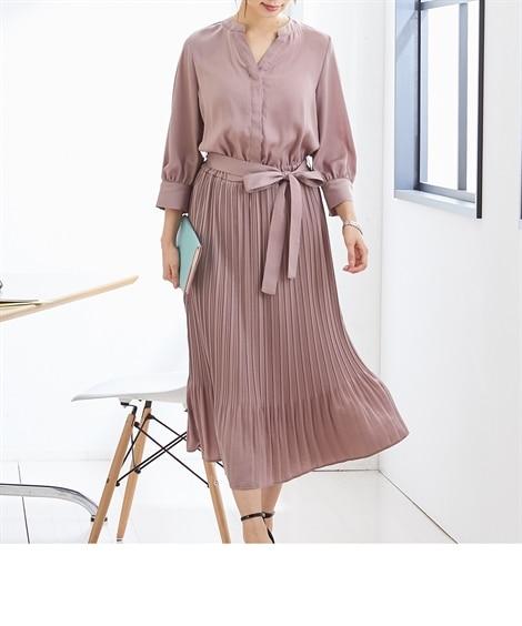 サテンプリーツワンピース (ワンピース)Dress